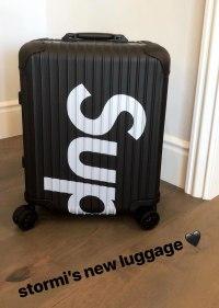 kylie-jenner-luggage