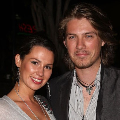taylor-hanson-wife-expecting-sixth-child