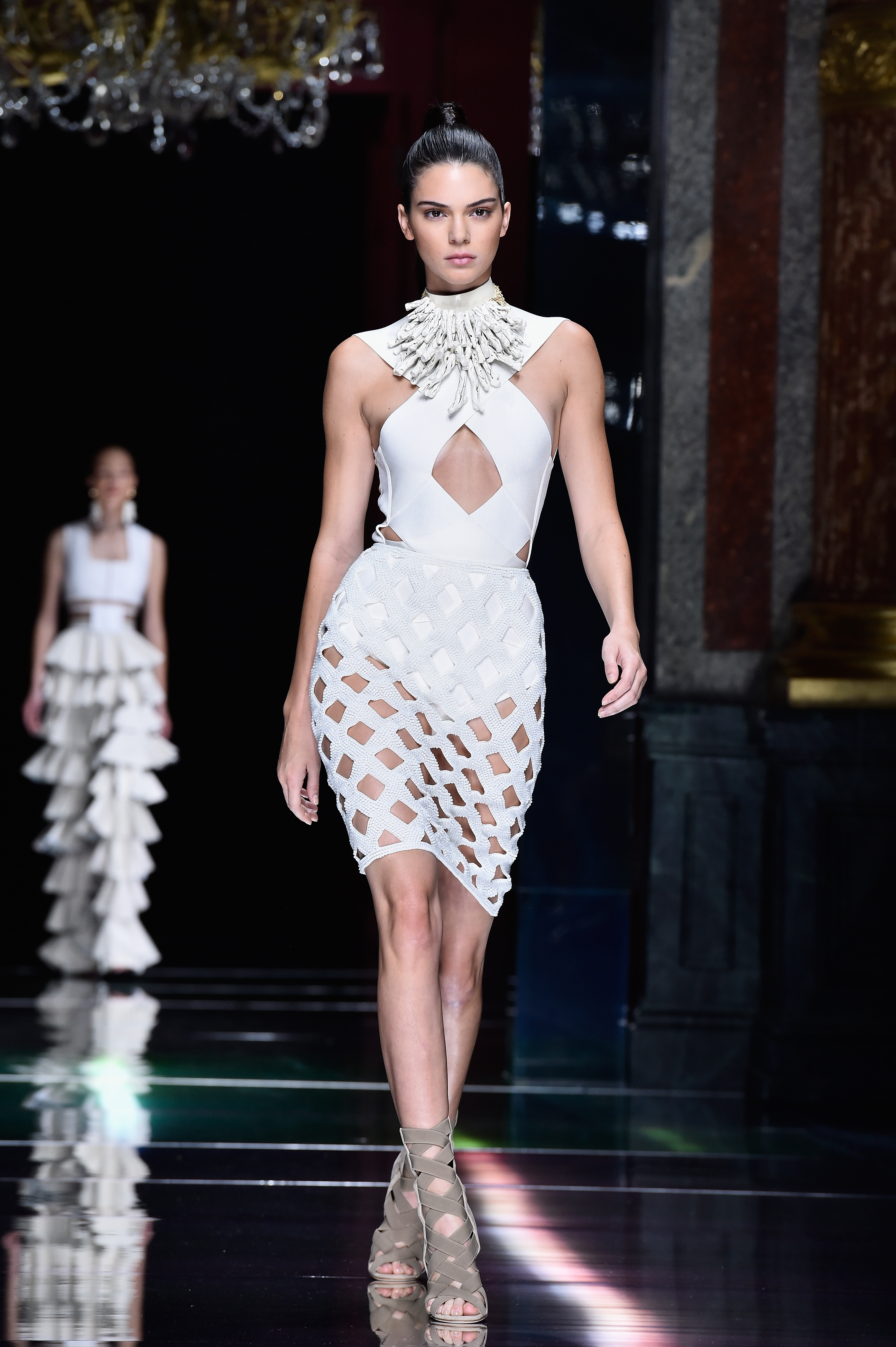 331130a1cb737 Kendall Jenner s Best Fashion Looks  See 20 Of Her Greatest Runway ...