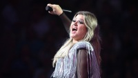 kelly-clarkson-net-worth
