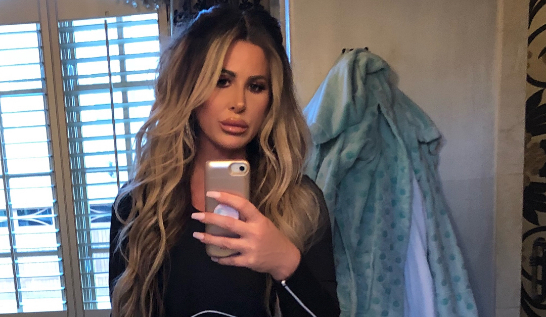 a856594b11e2 Kim Zolciak Finally Got That Breast Reduction She s Been Talking About for  a While