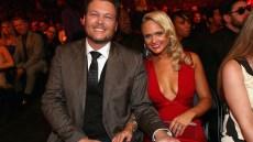 Blake Shelton and Miranda Lambert posing