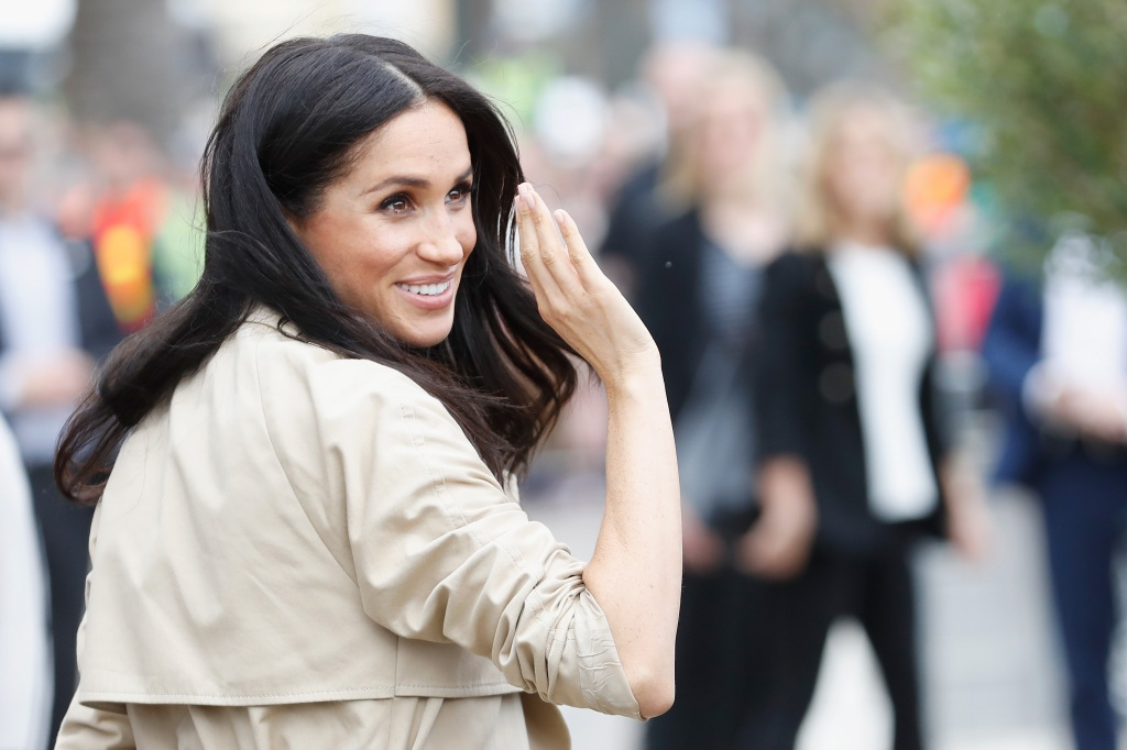 Meghan Markle waving