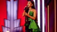 ariana grande wicked performance