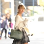 Taylor Swift carrying her cat in NYC