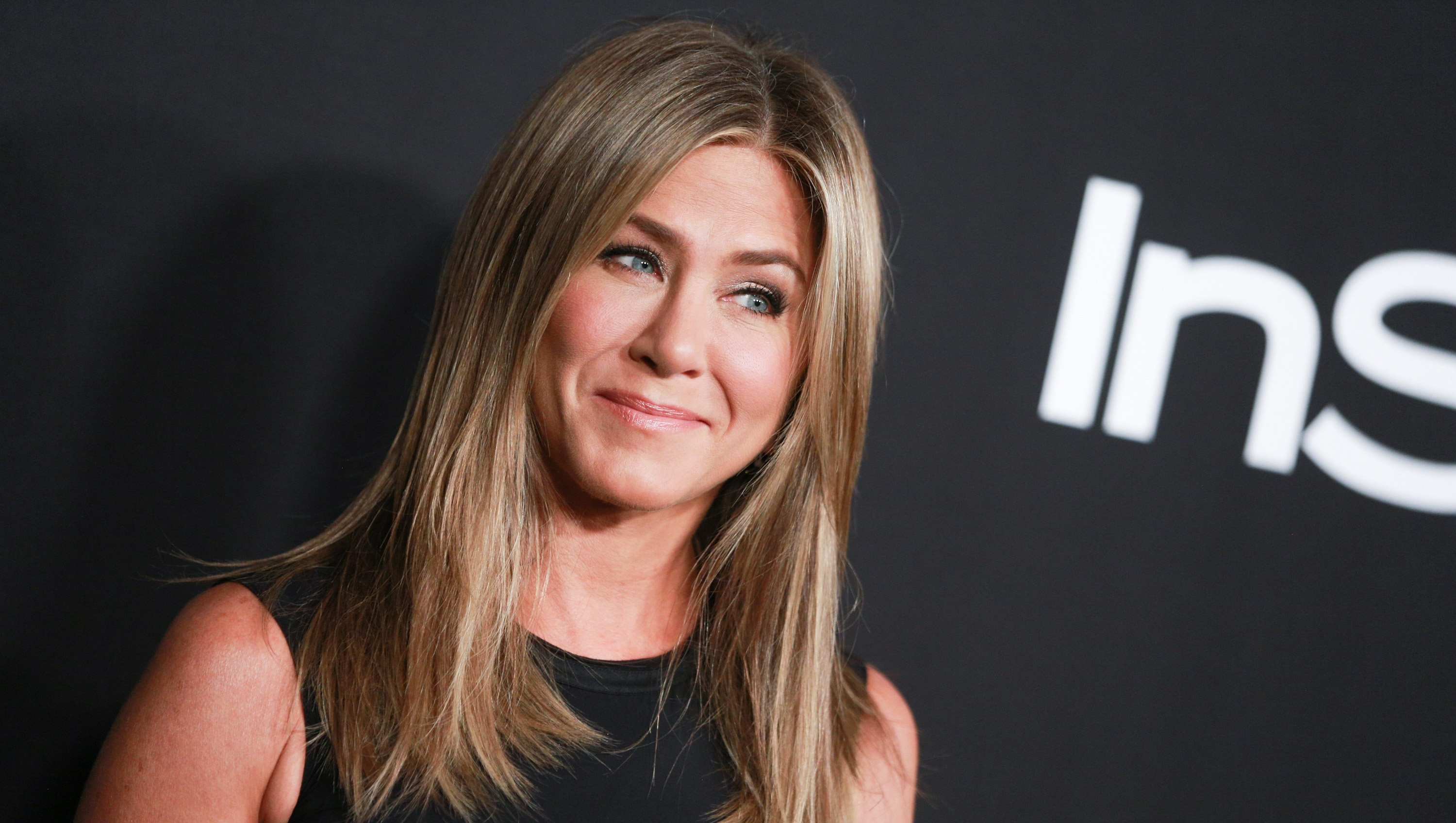 Jennifer Aniston, InStyle Awards, Red Carpet, Smiling, Black Dress