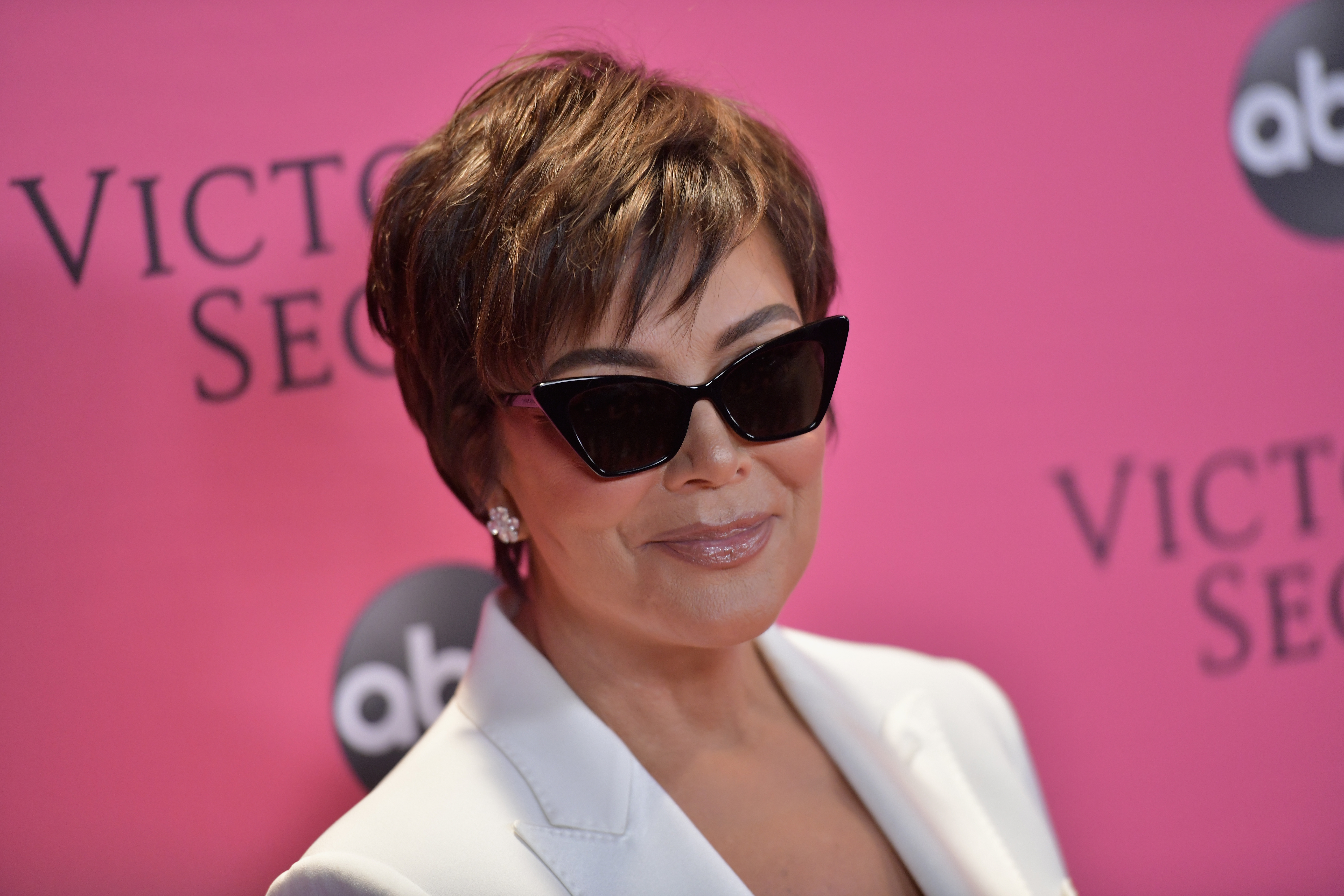 abec6b46813 There s A Reason Kris Jenner Has Been Covering Up With Sunglasses And It s  Surprisingly Sad
