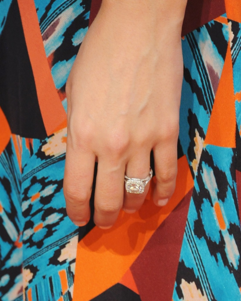 kaitlyn-bristowes-engagement-ring