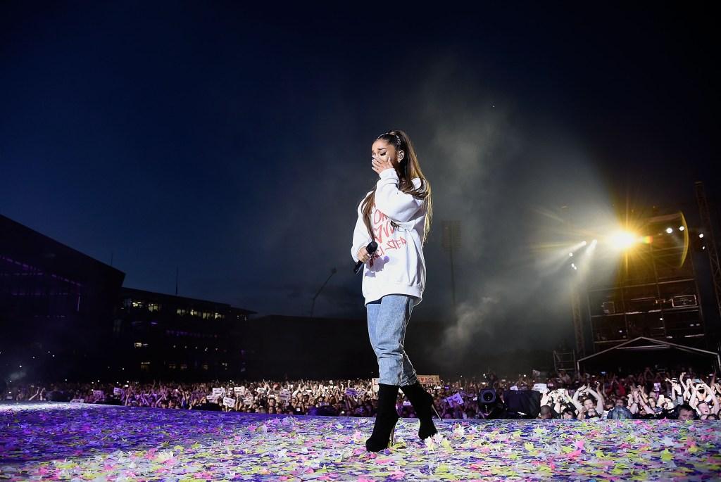 Ariana Grande, Crying,