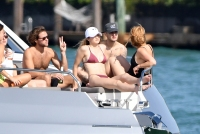 Gigi-Hadid-bikini