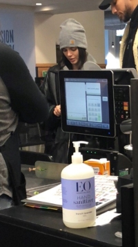 Kendall-Jenner-Whole-Foods