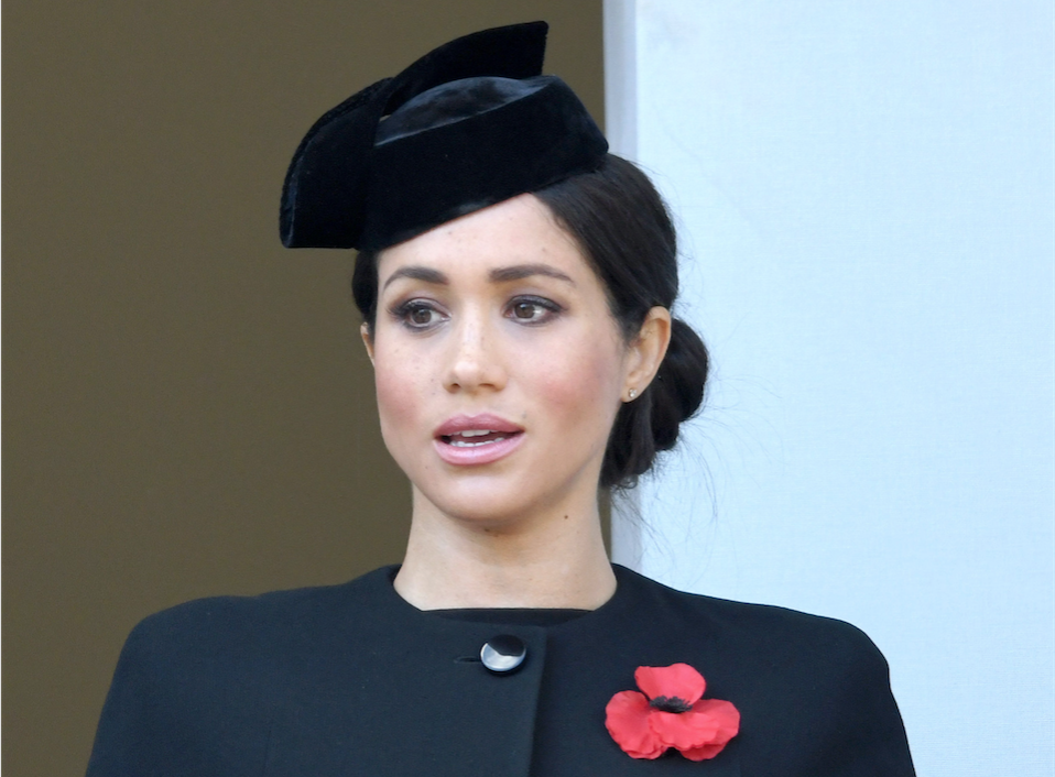 Meghan Markle, Hat, Navy Dress, Red Flower