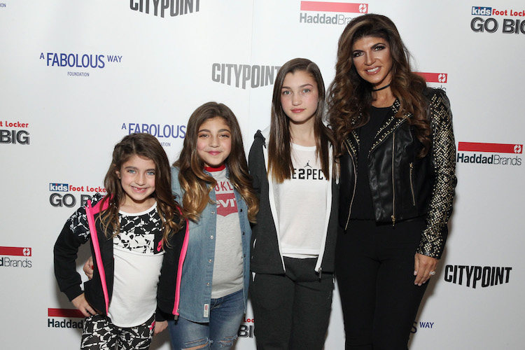 Teresa Giudice with daughters