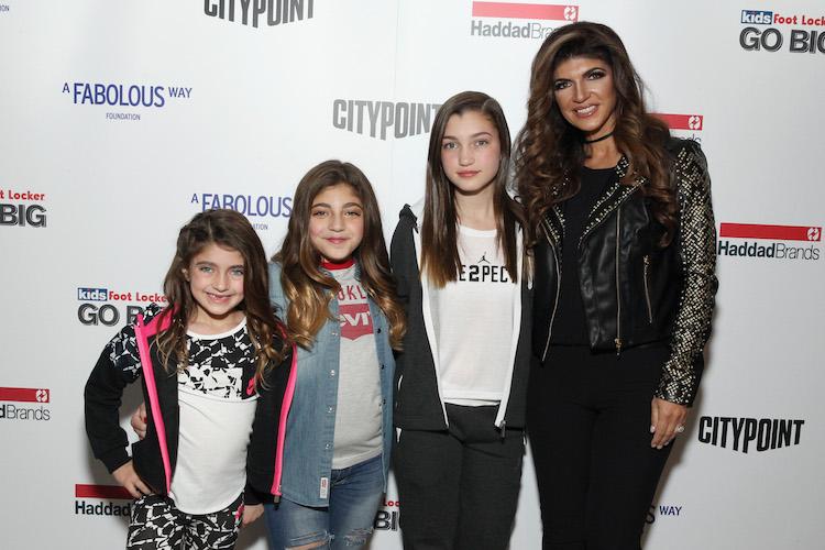 Teresa Giudice with daughters