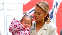 Chrissy Teigen with daughter Luna