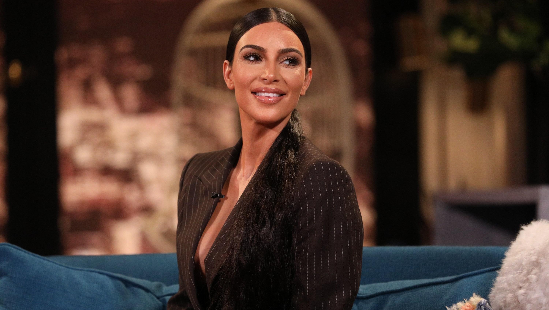 Kim Kardashian, Black Blazer, Smiling
