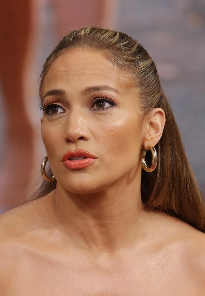 Jennifer Lopez, Talking, Hoop Earrings