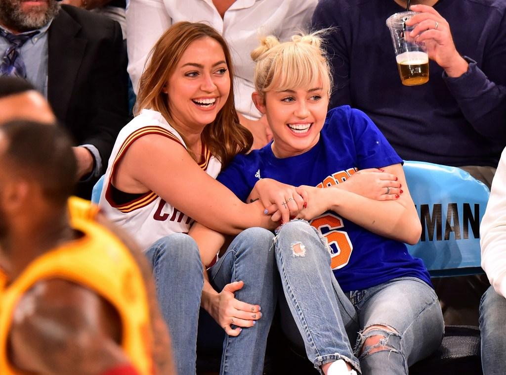 Miley Cyrus Brandi Cyrus