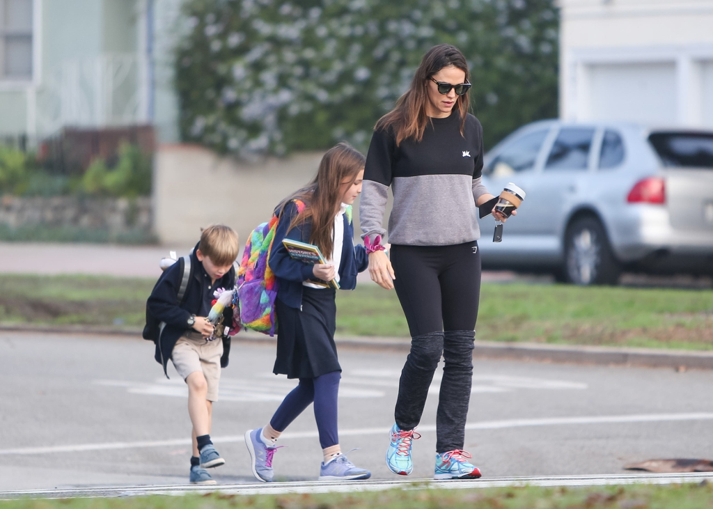 ExclusiveJennifer Garner Is 'in the Best Shape of Her Life' Thanks to Boyfriend John Miller