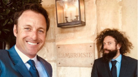 Chris Harrison taking a picture with Elan Gale