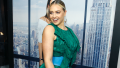 Iskra Lawrence, Posing, Red Carpet, Green Gown