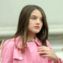 Suri Cruise, Pink Jacket, Straight Hair