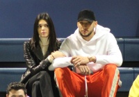Kendall Jenner, Ben Simmons, Linking Arms, Watching Basketball
