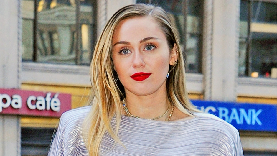 Miley Cyrus Looks Super Chic As She Steps Out In New York City