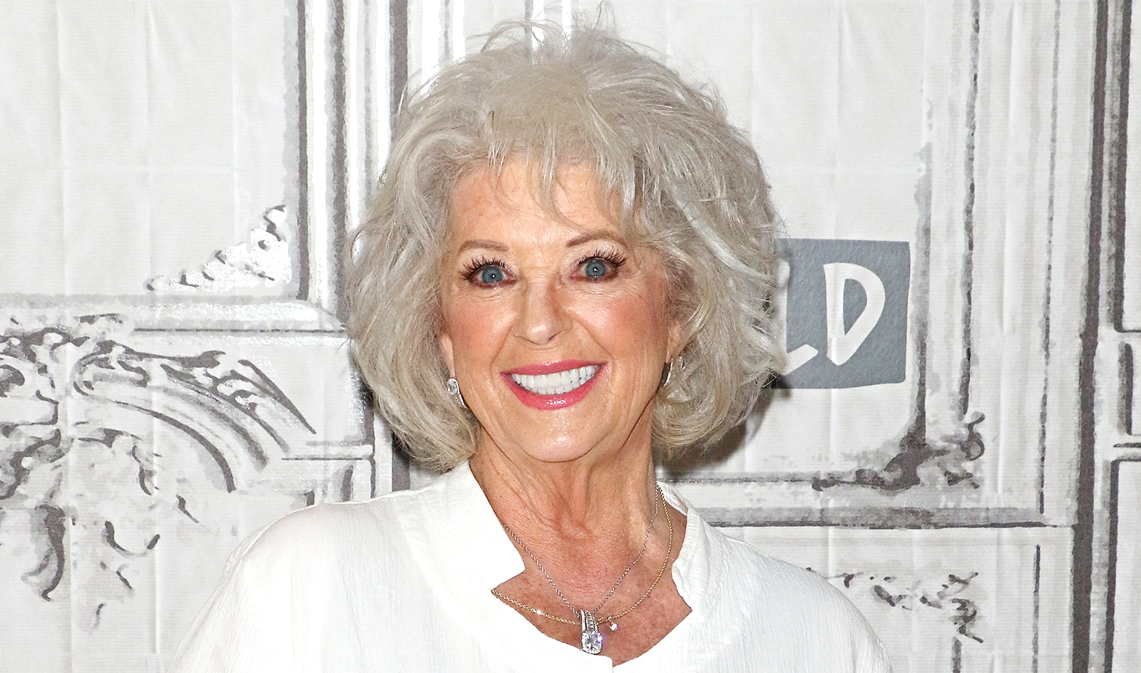 Paula Deen S Weight Loss Is Nothing Short Of Amazing See