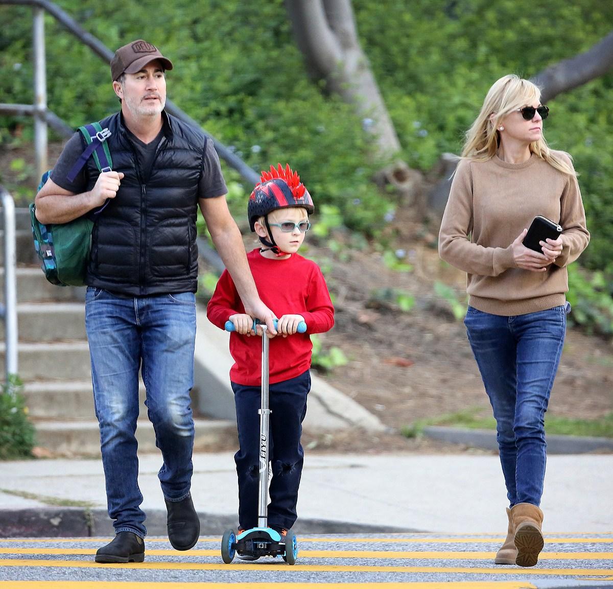 Anna Faris and Boyfriend Michael Barrett Enjoy Walk With Son