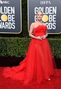 Lili Reinhart Golden Globes 2019 red carpet look