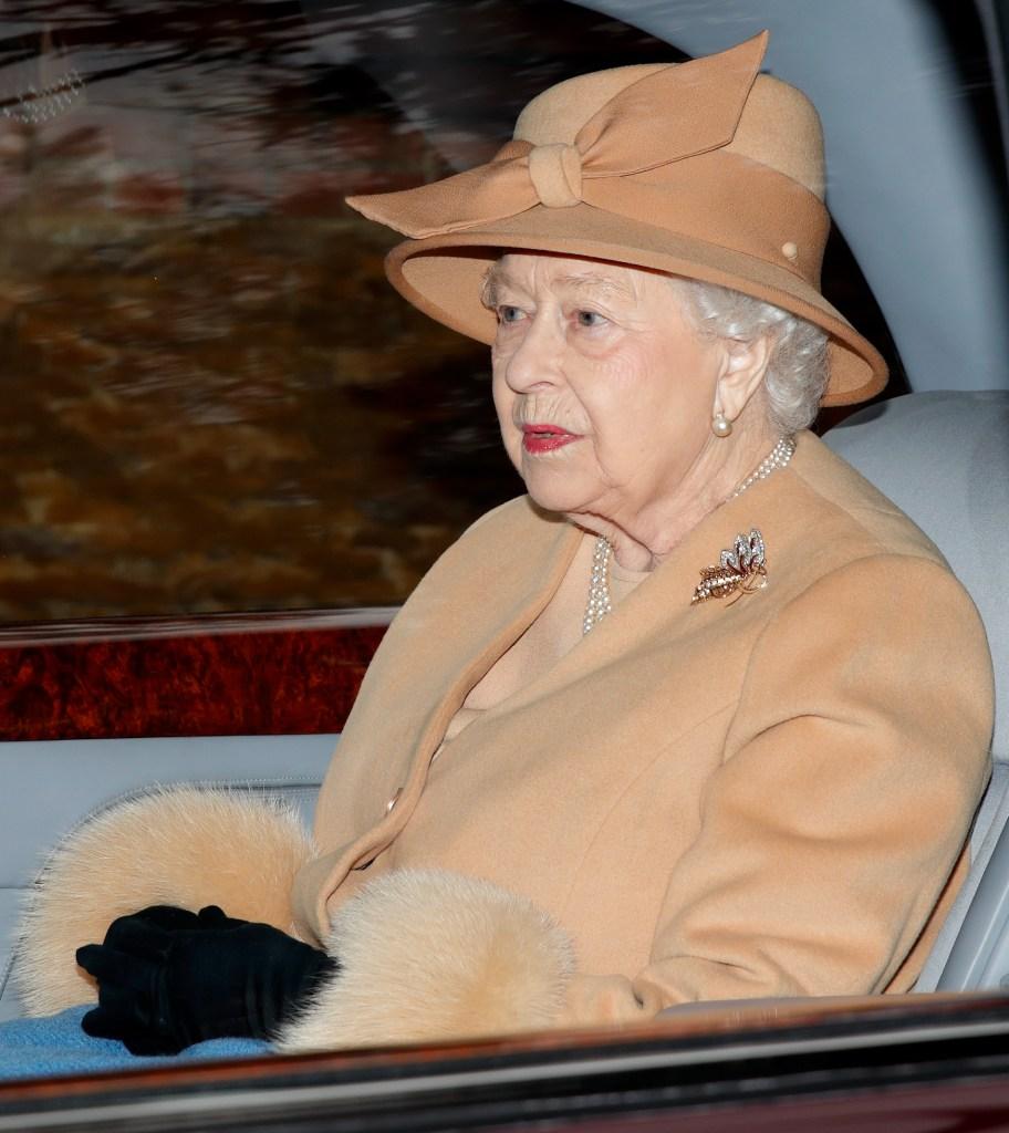 Queen Elizabeth wearing lipstick