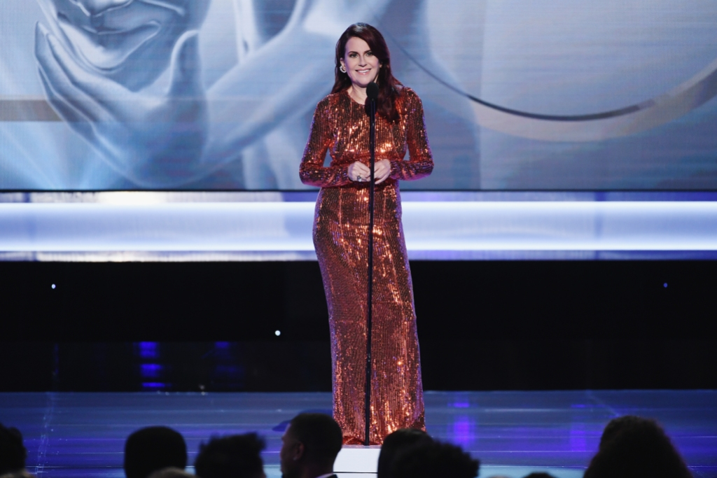 25th Annual Screen Actors Guild Awards host megan mullally sequin orange dress