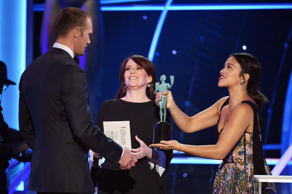 Alexander Skarsgard Megan Mullally and Gina Rodriguez 2017 SAG awards