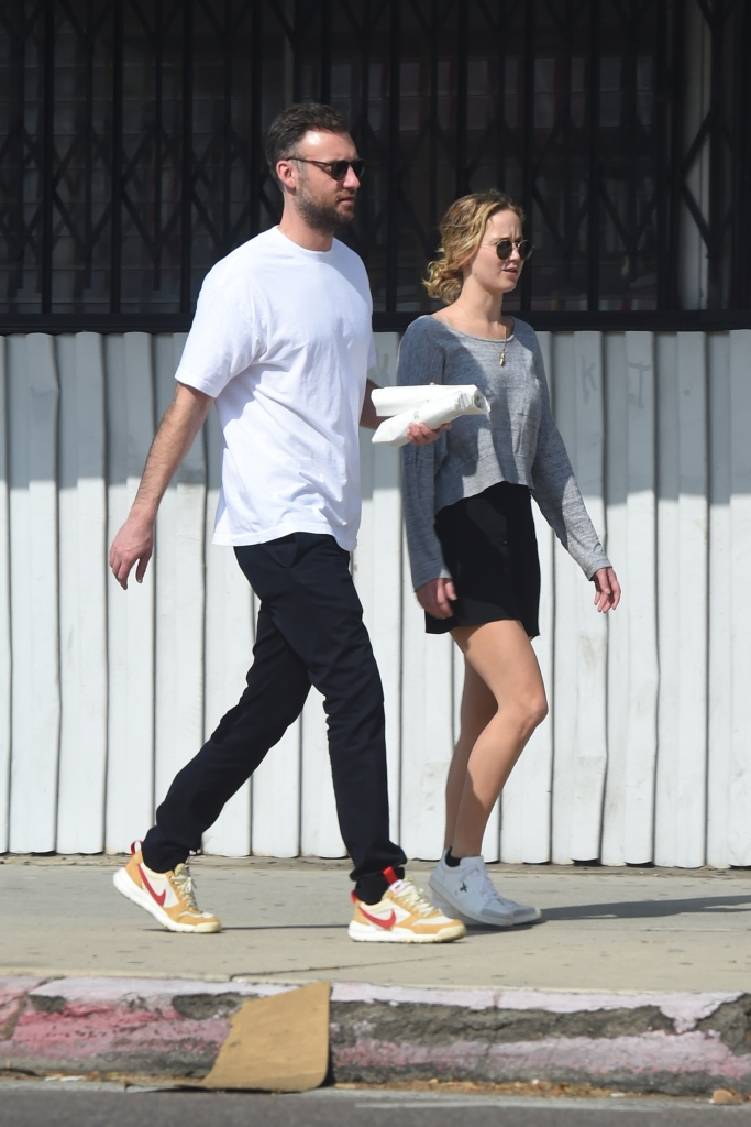 Jennifer Lawrence, Cooke Maroney, Walking