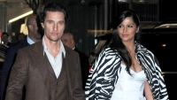 """Matthew McConaughey and Camila Alves arrive to the MoMA for """"Serenity"""" premiere"""