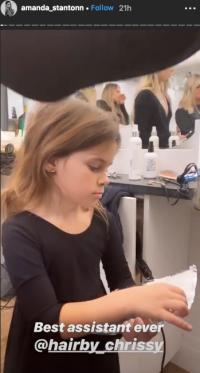 Bachelor Amanda Stanton daughter Kinsley helping at beauty salon