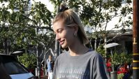 hailey baldwin shake shack instagram