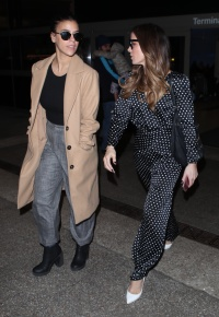 kate-beckinsale-lax-airport