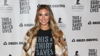 Jessie James Decker wearing a black shirt