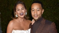 Are Chrissy Teigen and John Legend at the oscars?