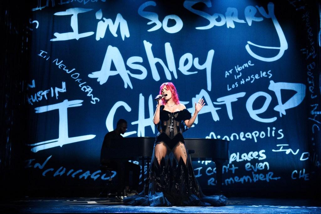 Halsey SNL performance