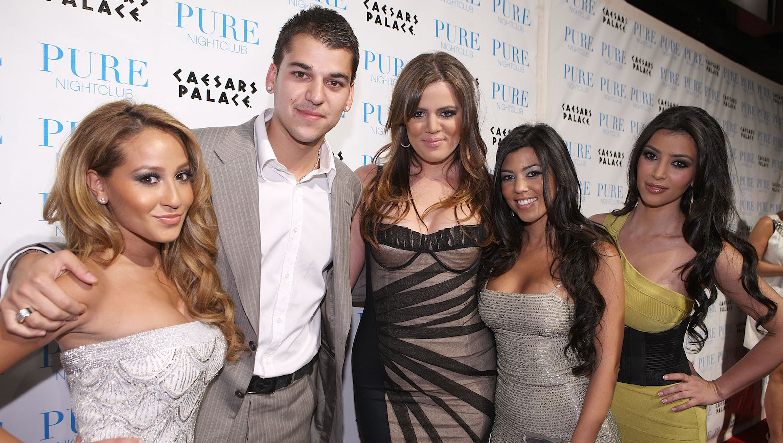 Adrienne Bailon datovania Rob Kardashian bol tak bolestivý Hollywood u rastúce hviezdy datovania Chris zimy