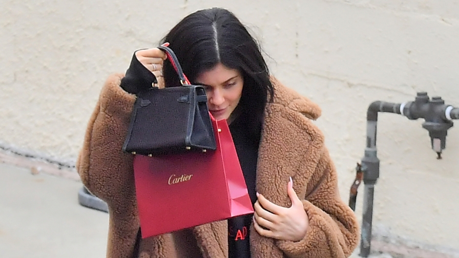 Kylie Jenner seen in public for the first time since it was reported that her Best friend jordyn woods cheated with Tristan Thompson