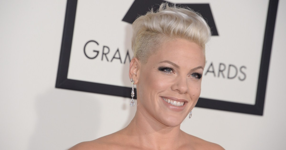 Aww! Pink's Kids Make Her a Homemade Grammy After Losing the Award to Ariana Grande