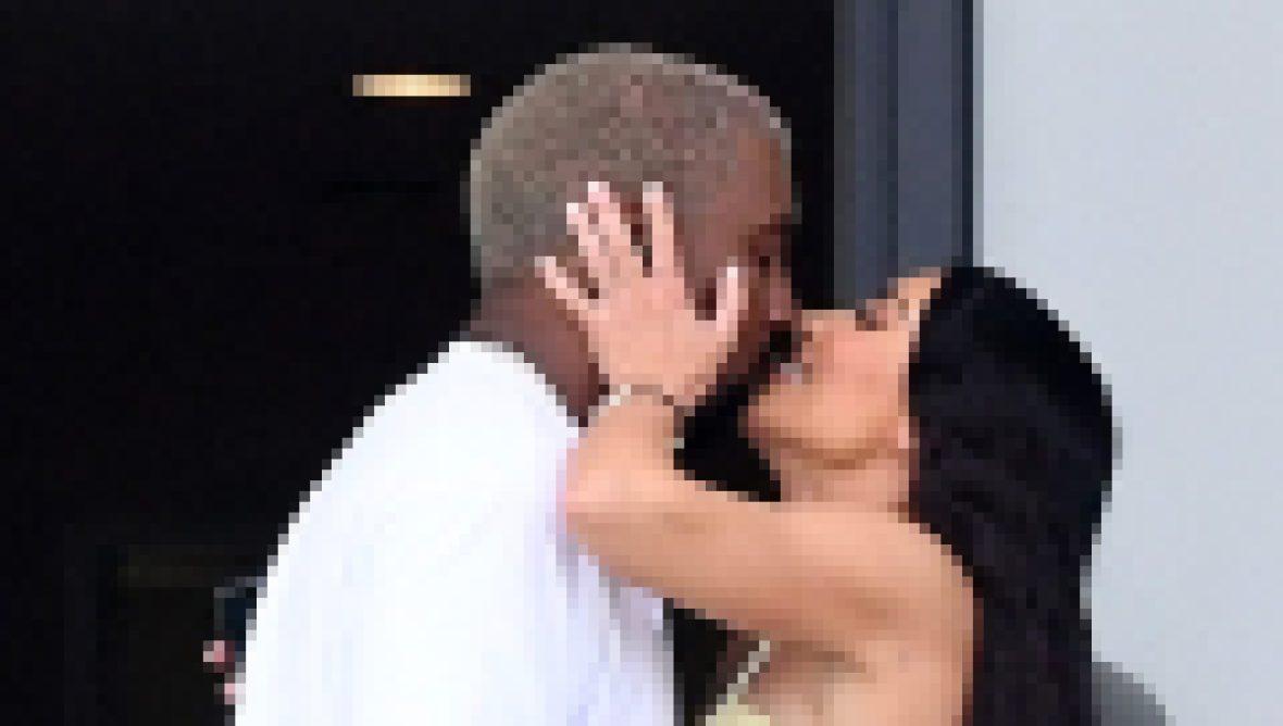 celebrity PDA kim kardashian kanye west