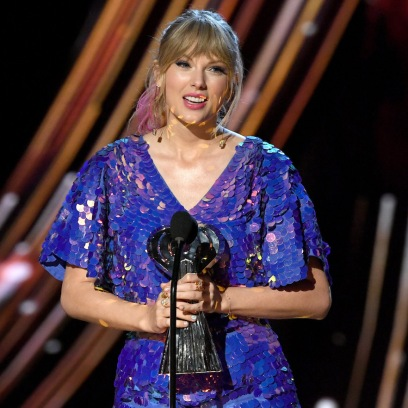 taylor swift at the iheart