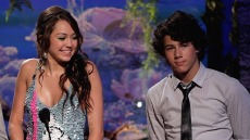 miley-cyrus-nick-jonas-2007