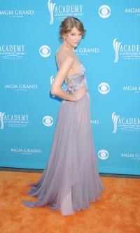 Taylor Swift 2009 ACM Awards purple dress