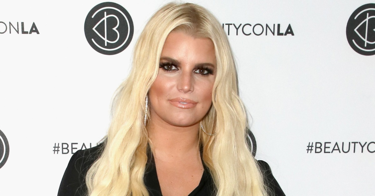 f1d66ce4d046c Jessica Simpson Subtly Claps Back at Haters Who Complained About Baby  Birdie Sleeping on Her Tummy